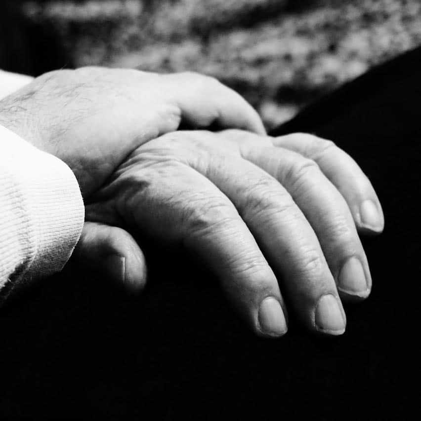 Twee handen, troosten